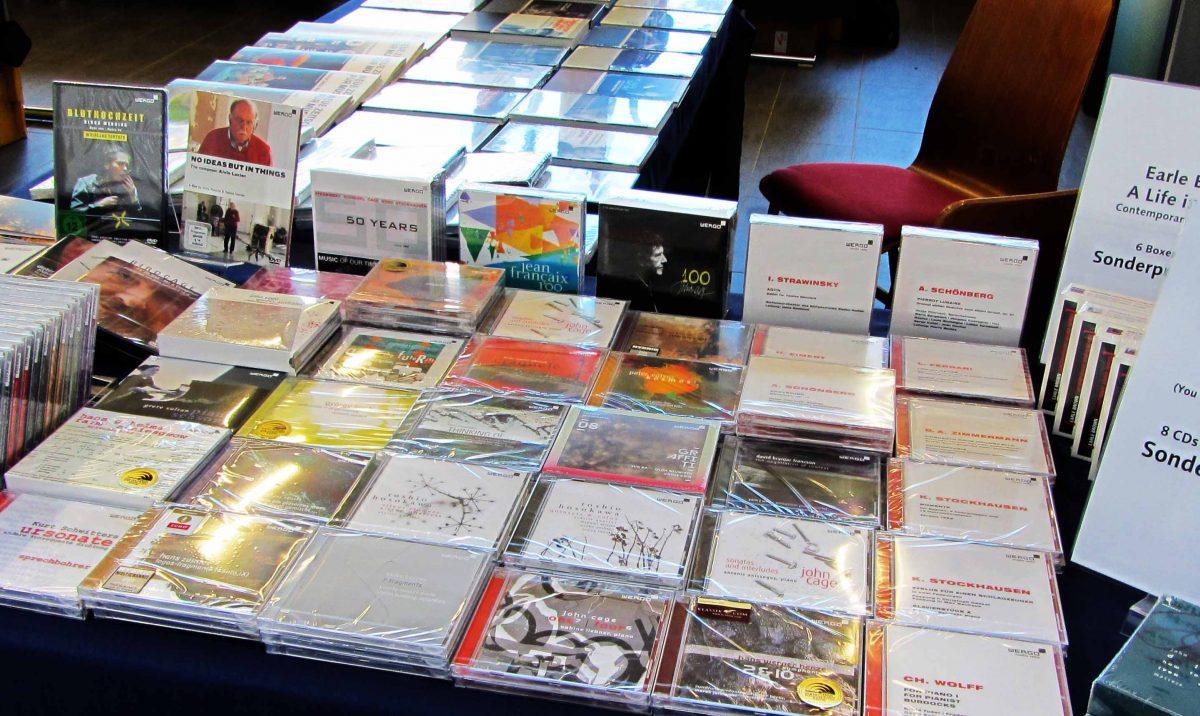 CD-Auswahl bei den Donaueschinger Musiktagen